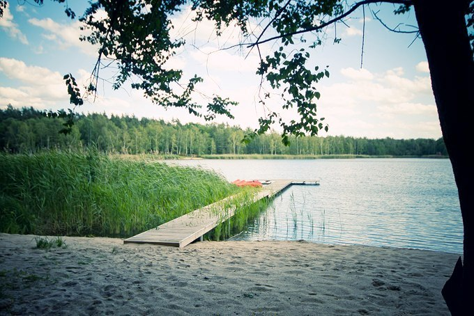 Steg_Strand_See_Natur_Campingplatz